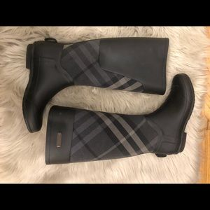 Burberry Clemence Rainboots *OPEN TO OFFERS*